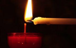 Tehnike gatanja Sudbina zapisana u plamenu sveće